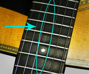 acoustic-guitar-fretboard-crack-